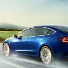 Reverse Summon: Teslas können bald autonom Parkplätze suchen