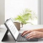 Logitech Combo Touch Case: Abnehmbare Tastatur mit Trackpad für das iPad