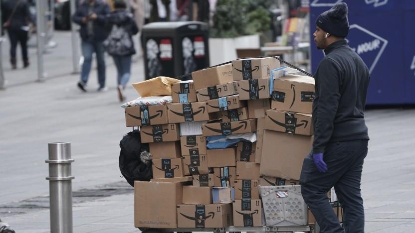 Amazon-Mitarbeiter am New Yorker Times Square am 17. März