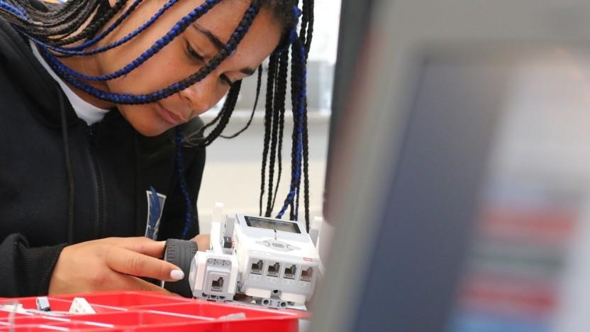 Auch junge Modellbauer können die Grundlagen der Programmierung lernen.