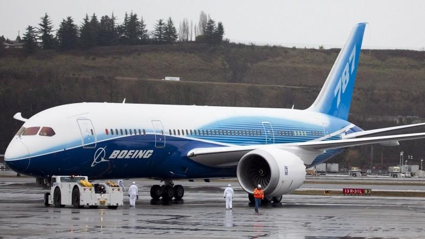 Boeing 787 Dreamliner: Falsche Anzeigen über Geschwindigkeit, Fluglage, Höhe und Triebwerksdaten