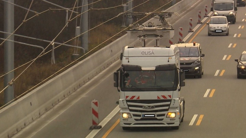 E-Highway in Hessen bei Frankfurt: Scania-Mitarbeiter dürfen nicht zu Abschlusstests anreisen.