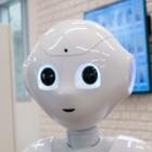 Roboter: Pepper spricht mit Supermarktkunden über das Coronavirus