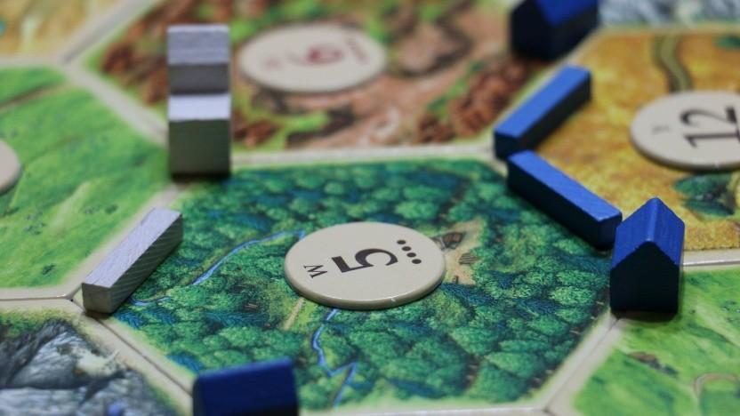 Brettspiele wie die Siedler von Catan kann man auch in Zeiten der Pandemie gemeinsam spielen - online nämlich.