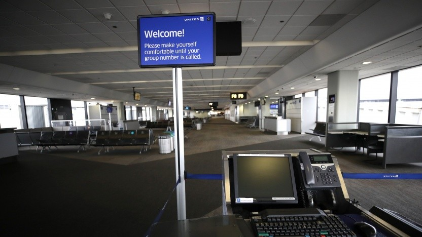 Das San Francisco Airport Terminal hat während der Covid-19-Pandemie nur sehr wenige Passagiere.