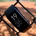 Fitbit Charge 4 im Test: Wohlfühl-Wearable mit GPS-Konditionsschwäche