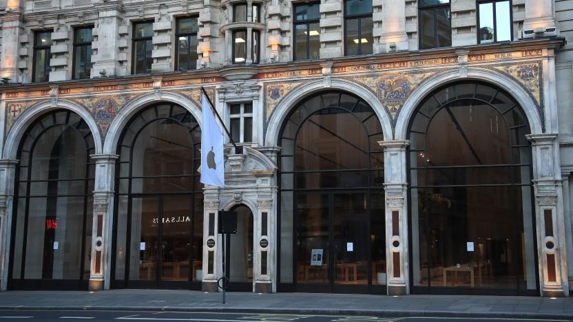 Geschlossener Apple Store in der Regent Street am 17. April 2020 in London, England.