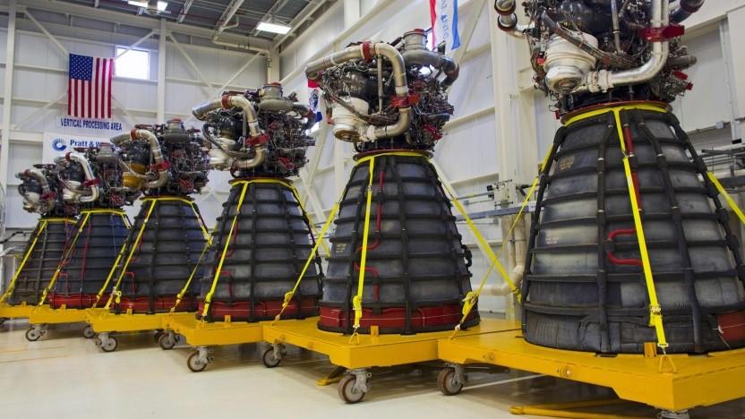 Die Herstellung eines weiteren RS-25 Triebwreks kostet 100 Millionen US-Dolar