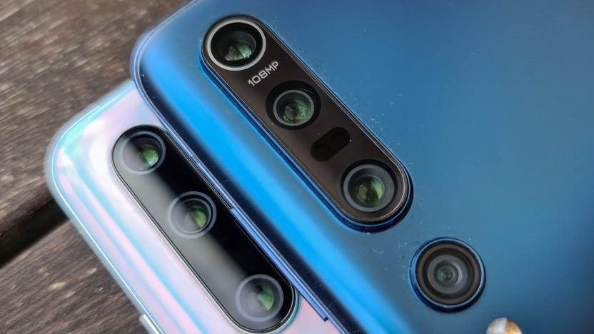 Xiaomi ist einer der Hersteller mit positiven Marktzahlen - im Bild das Mi Note 10 und das Mo 10 Pro