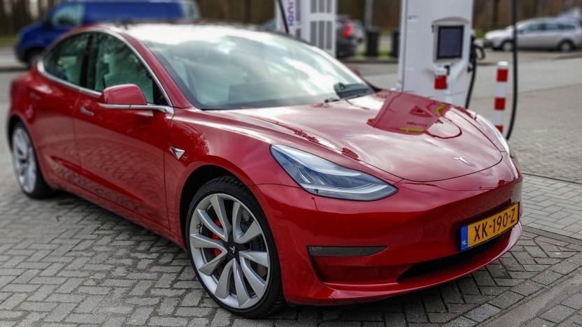 """Tesla Model 3: Videokonferenz soll """"auf jeden Fall in Zukunft ein Merkmal"""" sein."""