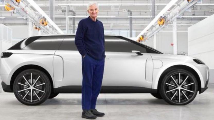 James Dyson vor dem Elektroauto