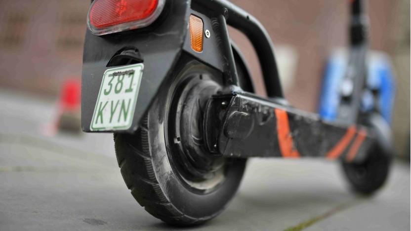 E-Scooter: Sharing-Anbieter statten die Roller mit Wechselakkus aus.