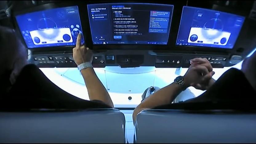 Start erfolgreich!: SpaceX-Rakete mit zwei Astronauten zur ISS unterwegs
