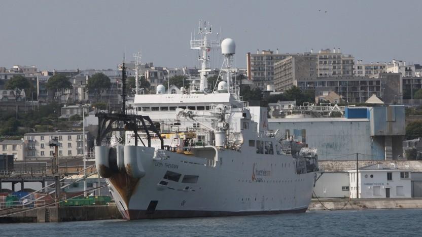 Der Kabelleger Léon Thévenin im Hafen von Brest: Reinraum unter Deck