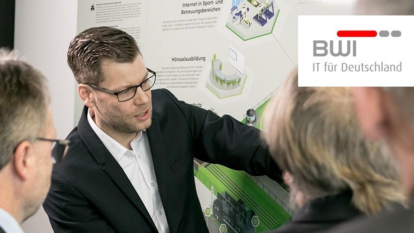 Tobias Orthey, aus dem Bereich Portfolio Planning & Strategy  der BWI, präsentiert die Studienergebnisse.
