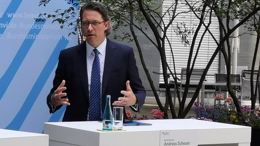Bundesverkehrsminister Andreas Scheuer beim 2. Mobilfunkgipfel in Berlin