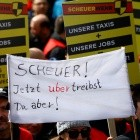 Personenbeförderung: Taxibranche und Uber kritisieren Reformpläne