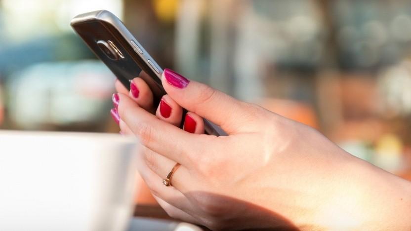 Ausgaben für Mobilfunk sollen künftig in den Regelsätzen für die Grundsicherung berücksichtigt werden.