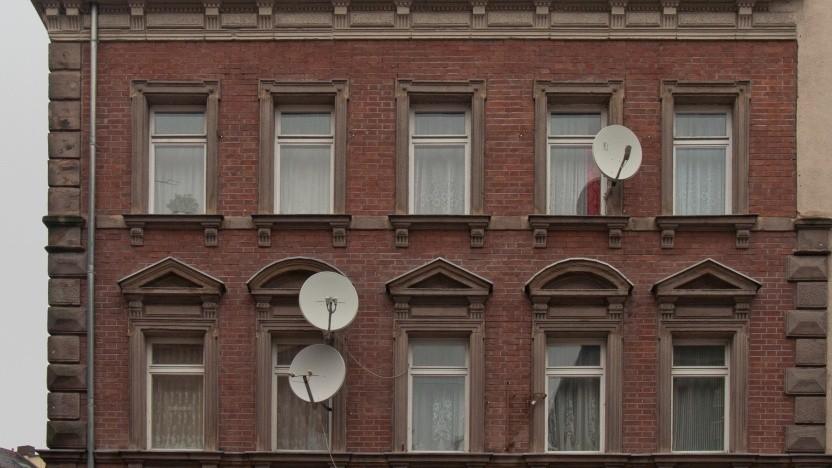 Viele Haushalte empfangen weiter SD-Fernsehen per Satellit.