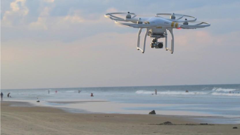Eine Drohne am Strand (Symbolbild)