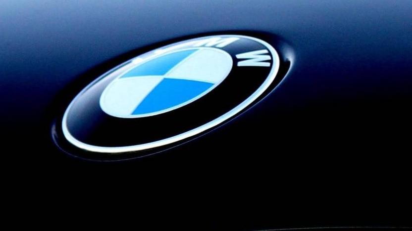 BMW-Logo auf einem Auto