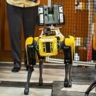 Boston Dynamics: Roboterhunde scannen ein Werk von Ford