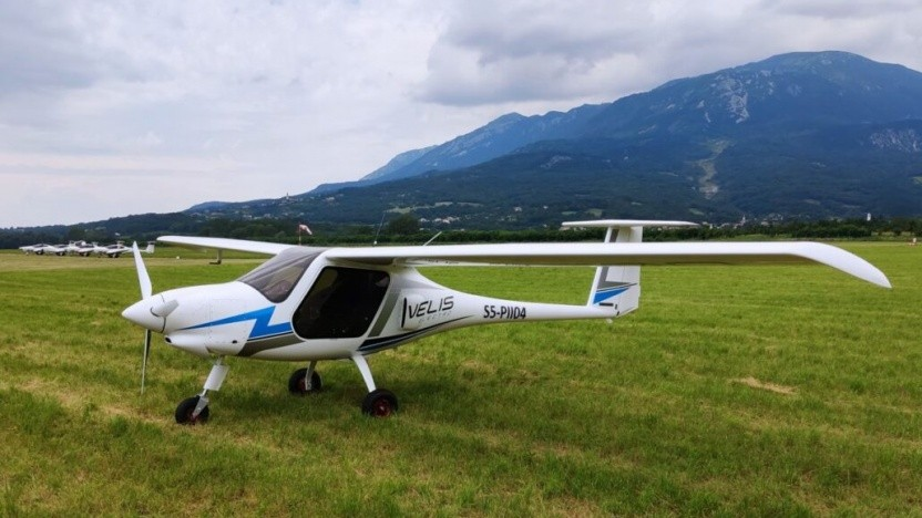 Elektrisches Leichtflugzeug Pipistrel Velis Electro: Welche Flugplätze haben einen Drehstromanschluss?