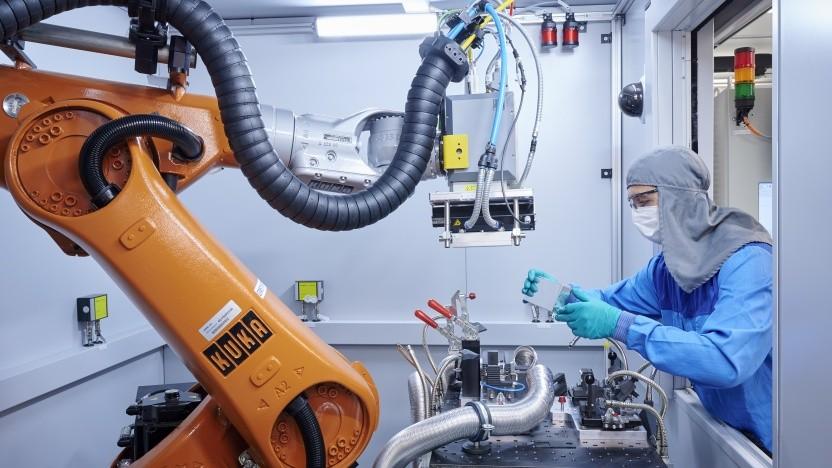 BMW erhält 60 Millionen Euro für Akkuforschung