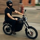 Blacktea: Elektro-Moped mit 70 km Reichweite ab 2.300 Euro