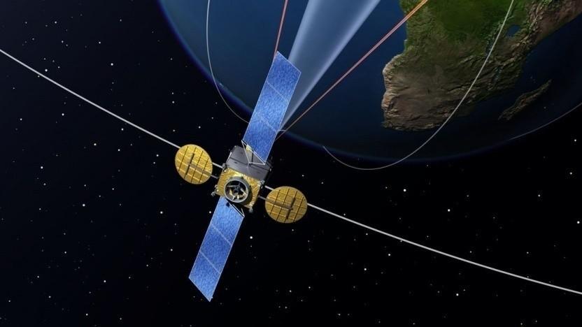 Kommunikationssatellit im All (Symbolbild): kein Satelliteninternet nördlich von Kopenhagen