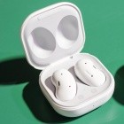Galaxy Buds Live: Samsung stellt bohnenförmige drahtlose Kopfhörer vor