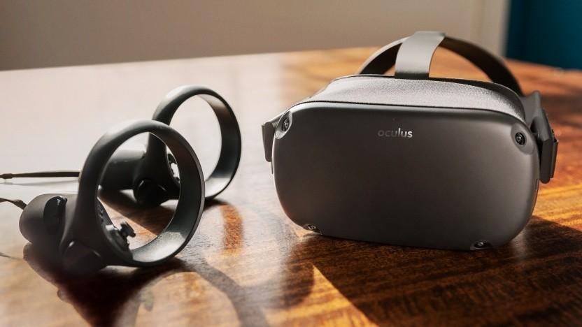Oculus Quest mit beiden Controllern