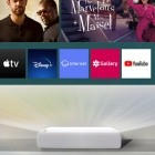 Beamer: Samsungs Projektor spannt 130 Zoll aus 25 cm Distanz auf
