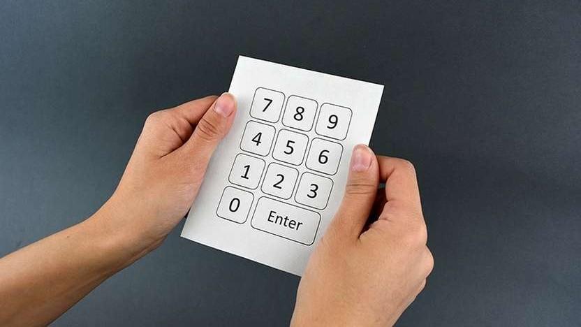 Ein mit einem Nummernblock bedrucktes Stück Papier