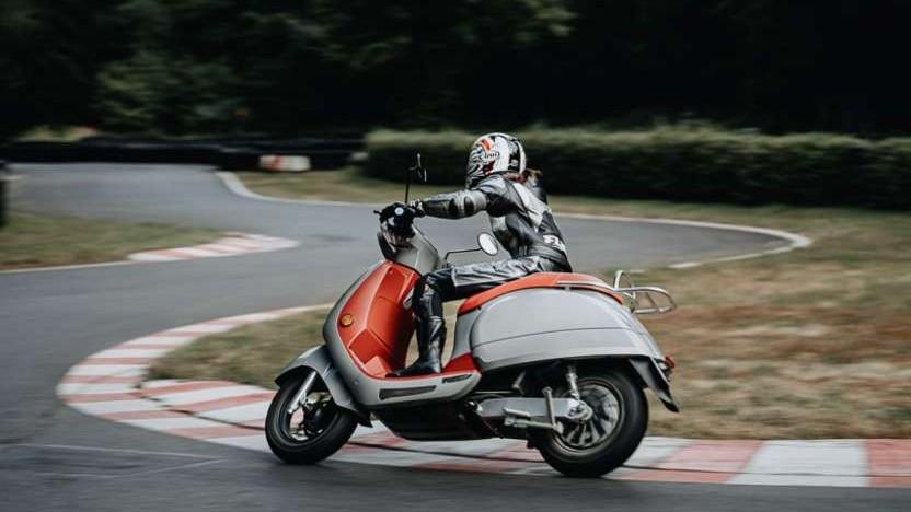 Elektro-Motorroller von Kumpan