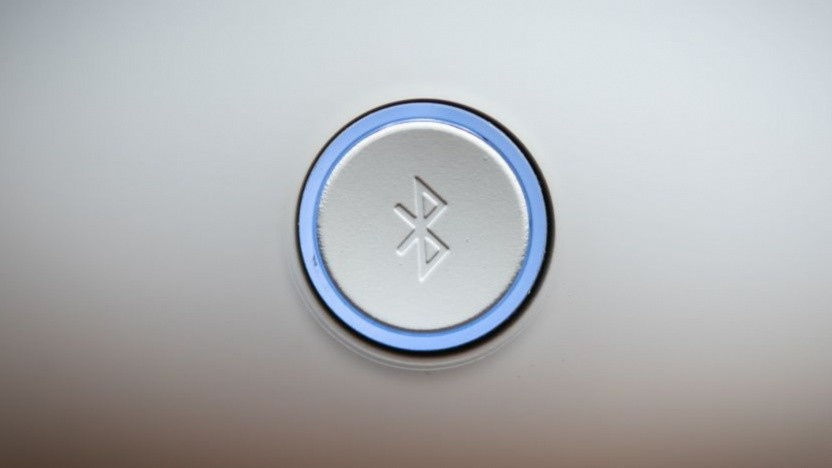 Ein Knopf mit Bluetooth-Logo