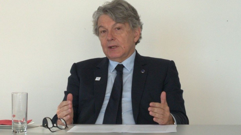 EU-Kommissar Thierry Breton erläutert die Digitalstrategie der EU.