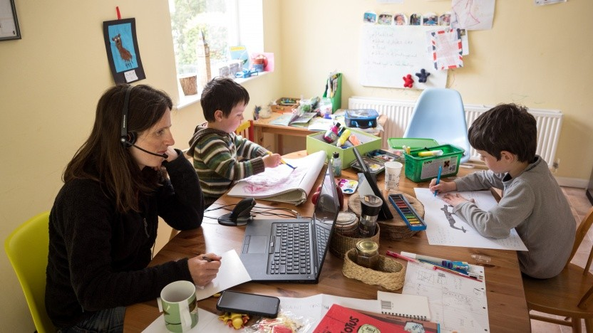 Die Arbeit von zu Hause aus belastet viele Angestellte.