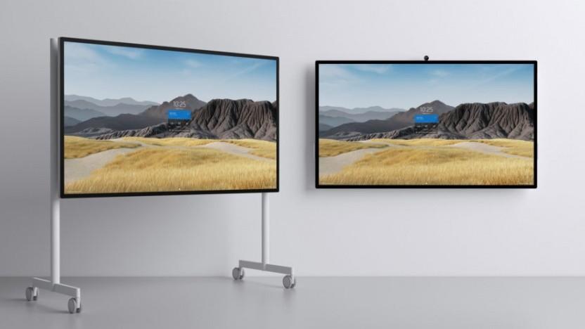 Das Surface Hub 2S 85 Zoll ist leicht genug für Rollen.