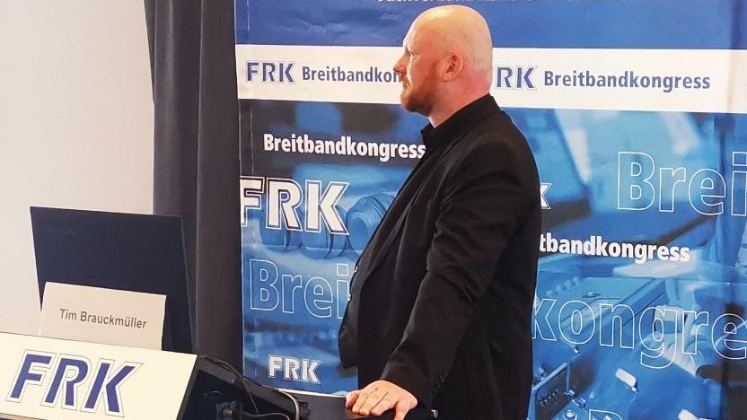 Tim Brauckmüller, Chef von Atene Kom, spricht in Leipzig.