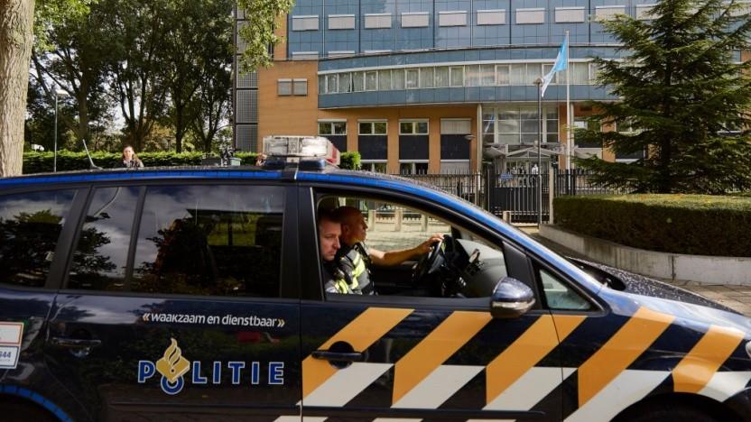 Die Polizei setzt in den Niederlanden nicht nur auf Präsenz, sondern auch auf Predictive Policing. Amnesty kritisiert diesen Ansatz.