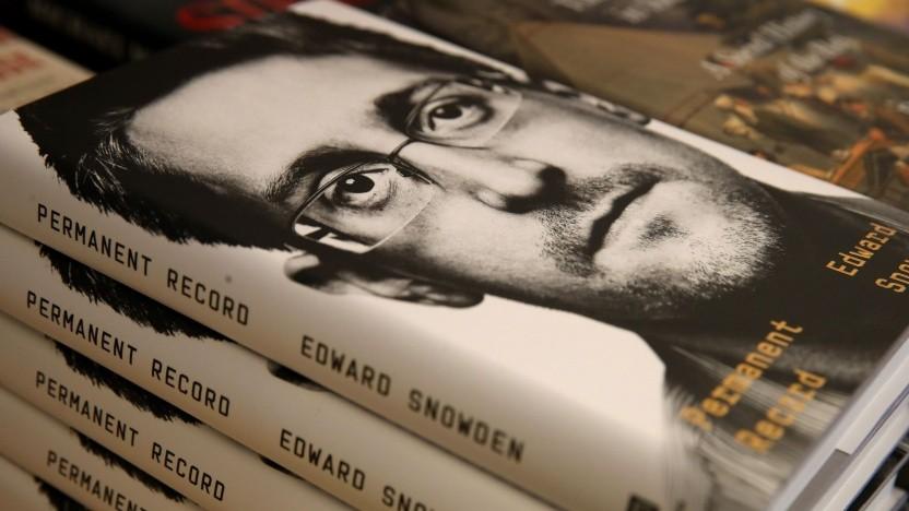 Edward Snowden auf dem Titelblatt von Permanent Record: Geheimhaltungsvereinbarungen verletzt