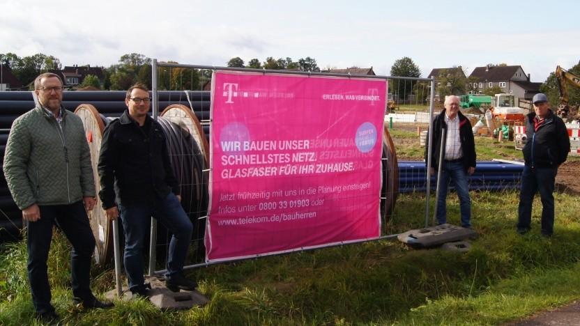 Neubaugebiet in Deensen bekommt Glasfaser bis ins Haus von der Telekom.