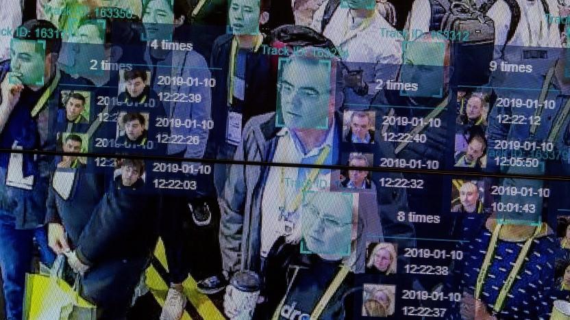 Algorithmen können auch in größeren Menschenmengen Identitäten ausmachen (Live-Demonstration auf der CES 2019).