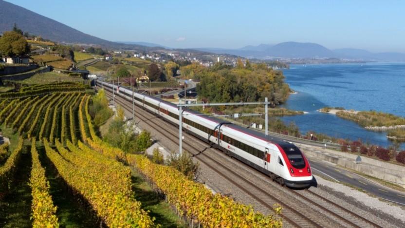 Intercity-Neigezug ICN am Neuenburgersee