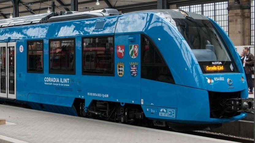 Brennstoffzellenzug Coradia iLint (bei der Präsentation im April 2018 in Wiesbaden): Reichweite wie ein Dieselzug