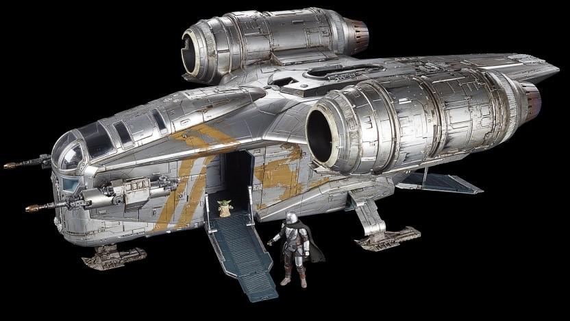 Das Modell der Razor Crest ist 76 cm lang.