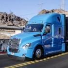 Autonomes Fahren: Daimler und Waymo automatisieren einen Truck