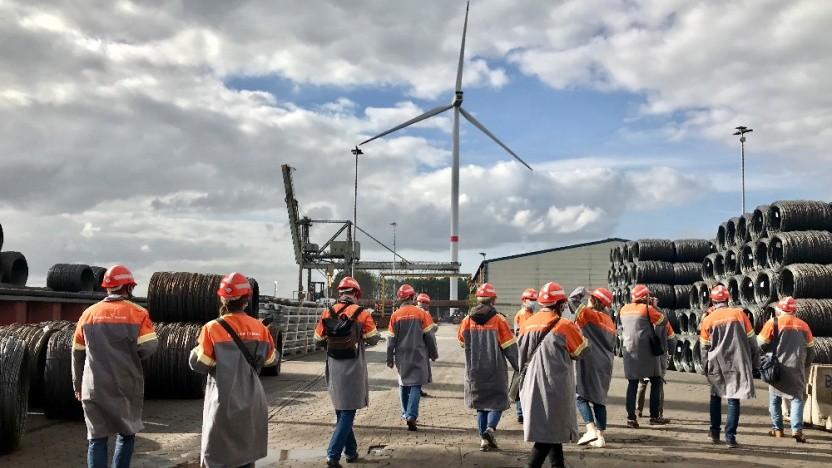 Das Langstahlwerk im Hamburger Hafen läuft mit Erdgas.