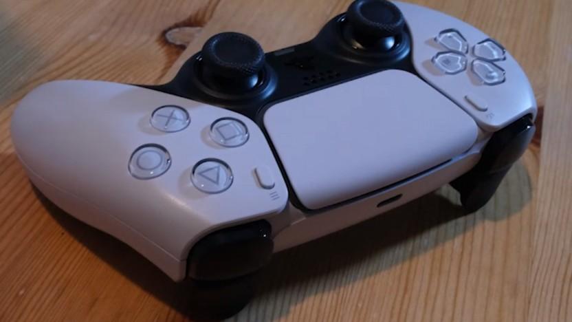 Der Dualsense liegt der neuen Playstation 5 bei.
